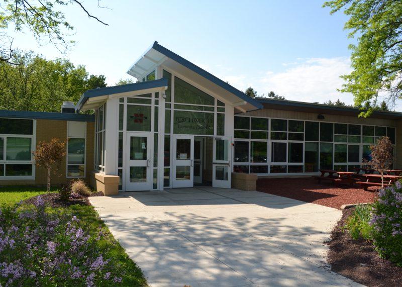 The main entrance of Birchwood Elementary School