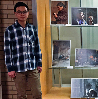 picture of Yushi Li outside the school library